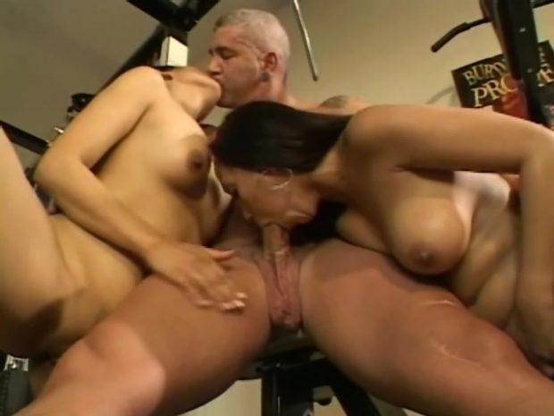 pute en uniforme sexe anal homme