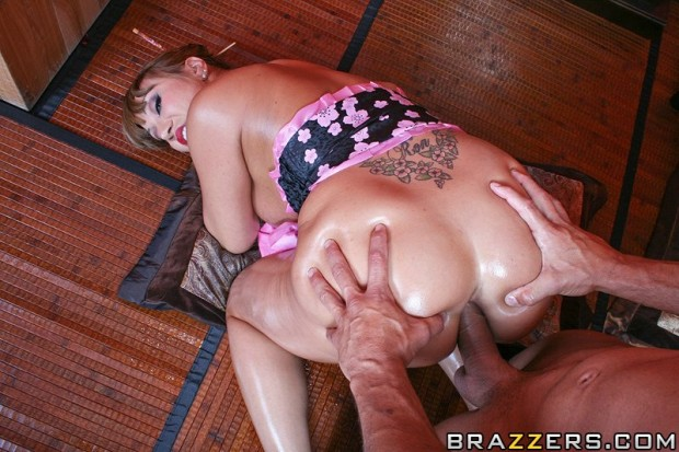 ava-devine-fisting-and-the-asian-persuasion-12