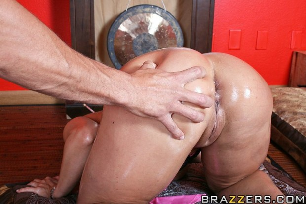 ava-devine-fisting-and-the-asian-persuasion-4