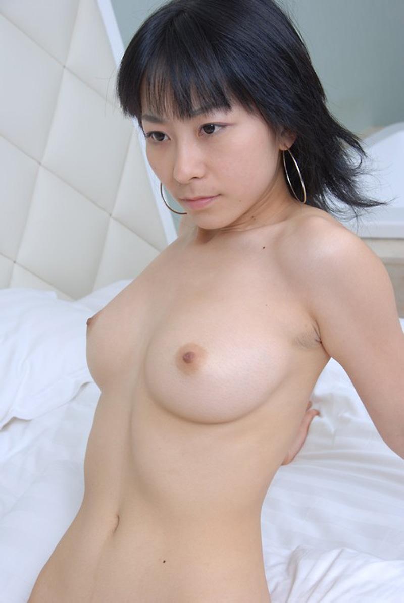Babe chinoise coquine qui a envie de sexe intense