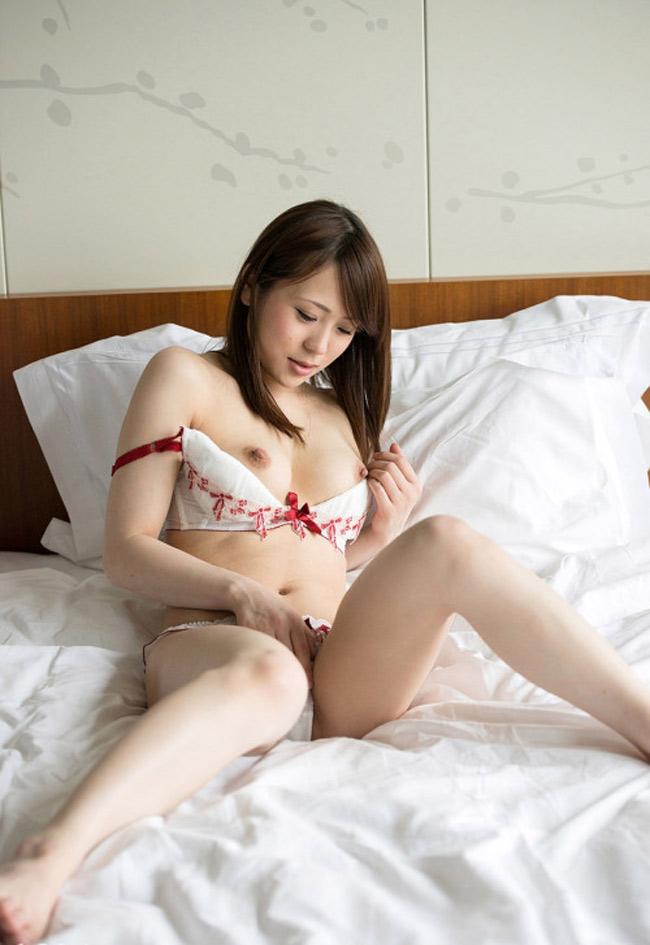 Cheng, salope de Pékin qui veut du sexe