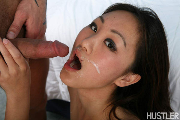 Evelyn Lin pipe, 69 et éjaculation faciale !