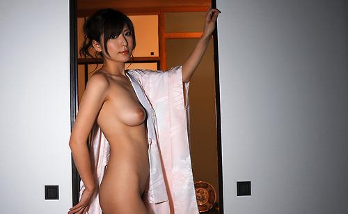 Housewife tokyoite nue et sensuelle