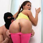 Kalina Ryu aime le sexe bestial