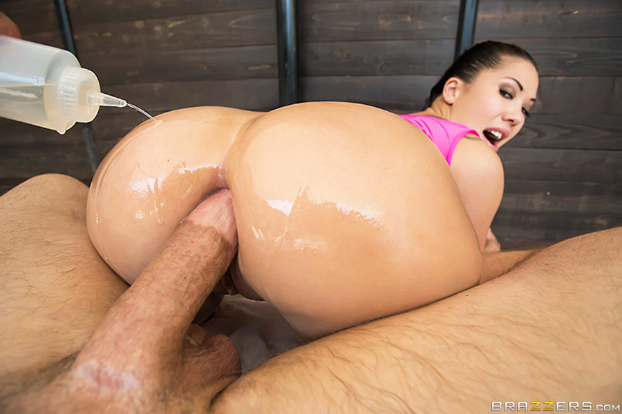 Bubble butt huilé de London Keyes en destruction anale