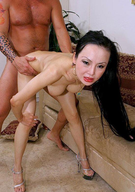 mature-geisha-defoncee-chienne-7