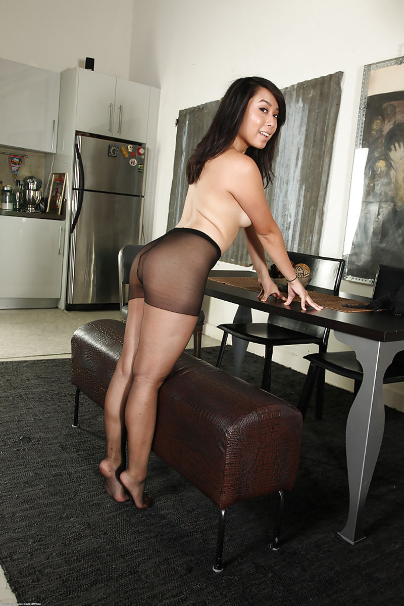 May Lee philippine en bas collants sexy