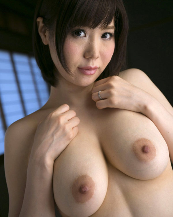 La housewife fait sa timide toute nue