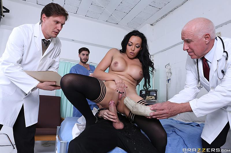 Vidéo Rio Lee squirting à l'hopital avec Danny D